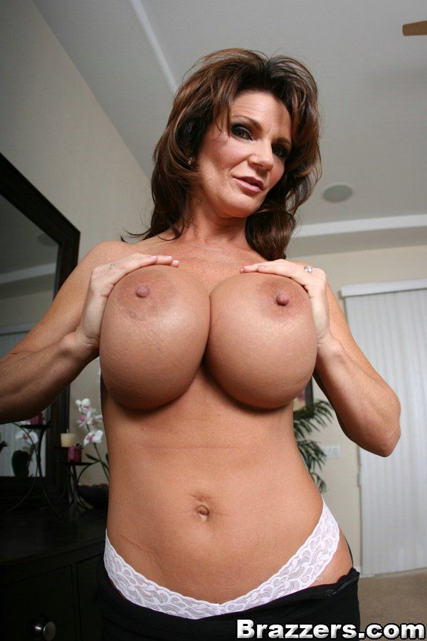 Pussy n breasts
