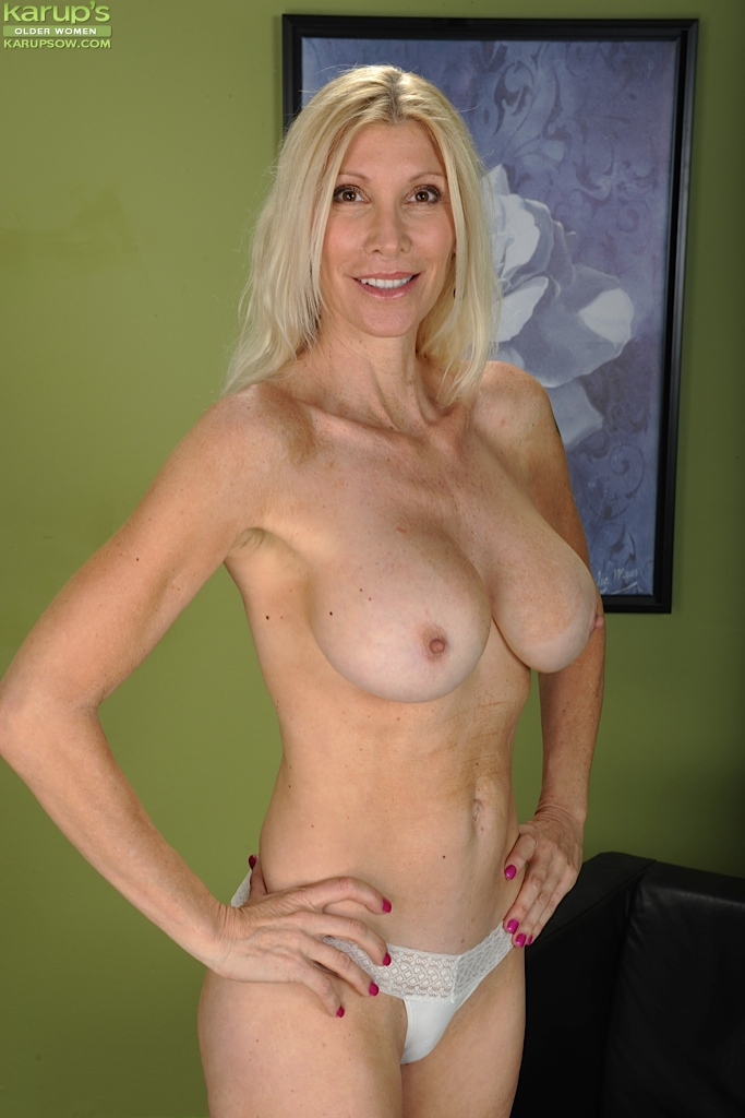 Lesbian blonde pink pussy